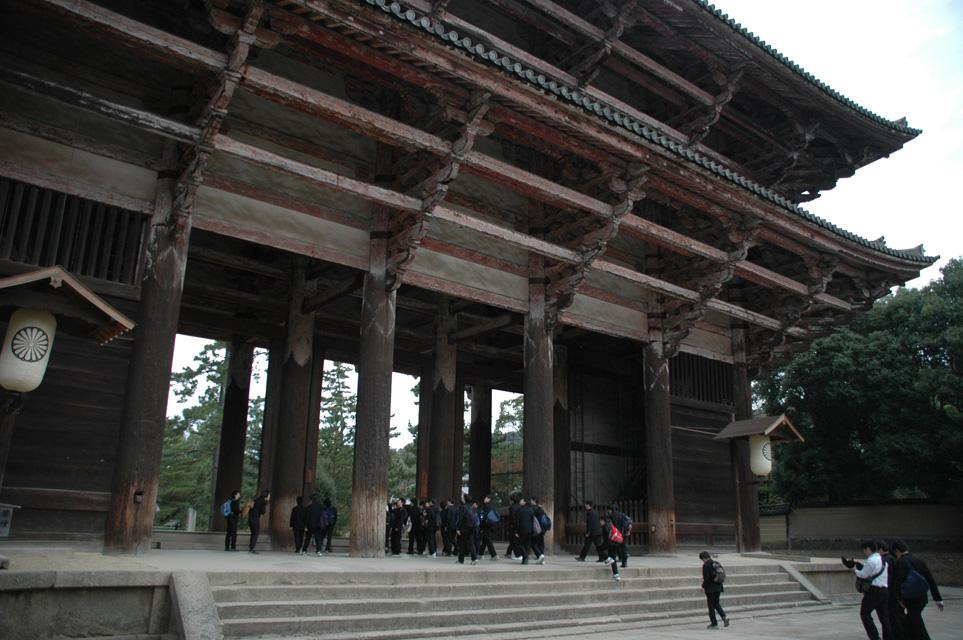 ... Japan 2004 / KIX Nara - Nandai-mon gate to Todai-ji temple 3008x2000